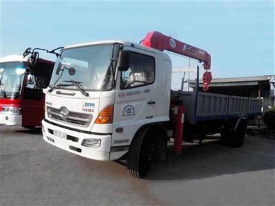 Xe tải Hino FG8JPSB gắn cẩu tự hành Unic 5 tấn 4 đốt